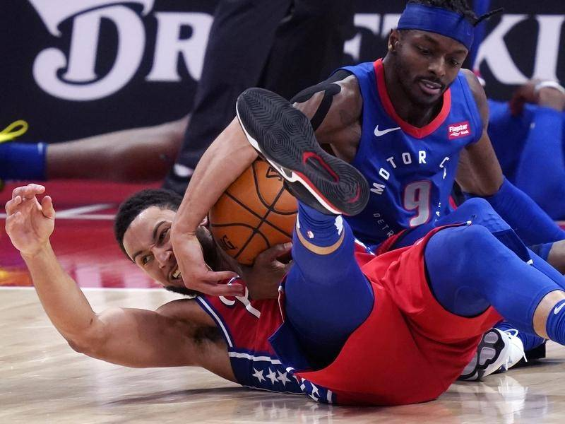 A committed Ben Simmons (l) stepped up again as the Philadelphia 76ers beat the Detroit Pistons.